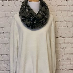 Howard's Accessories - Arianna Infinity Scarf. NWT